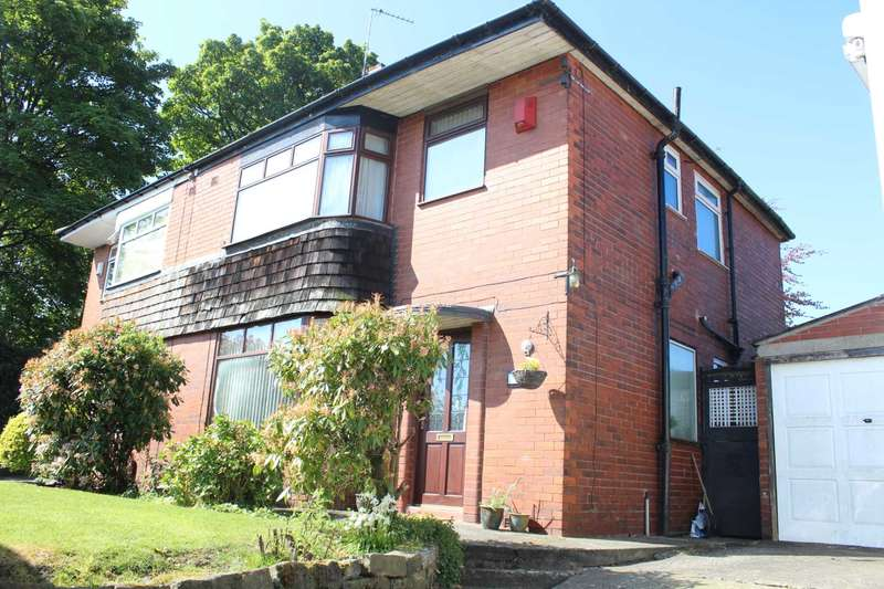 3 Bedrooms Semi Detached House for rent in Oldham Road, Rochdale