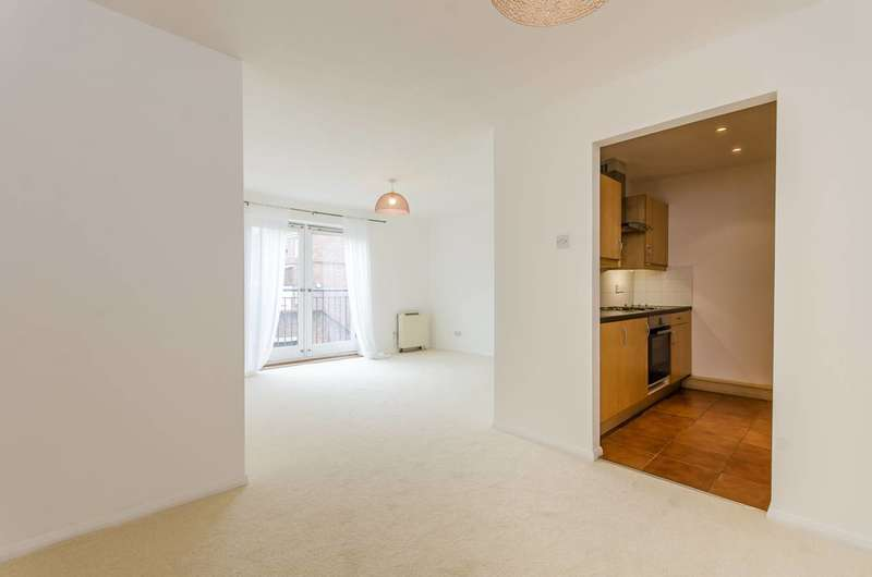 2 Bedrooms Flat for sale in Chicksand Street, Spitalfields, E1