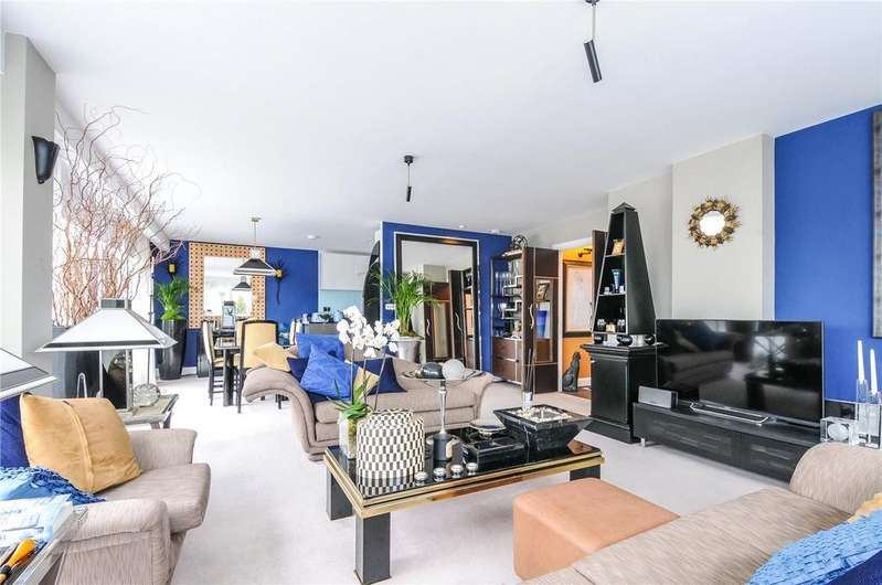 2 Bedrooms Flat for sale in Beach Residences, Marine Parade, Worthing, West Sussex, BN11