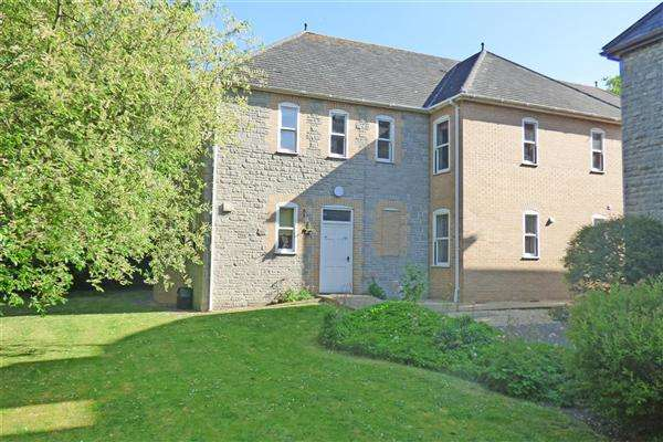 1 Bedroom Apartment Flat for sale in Woodhayes Court, Henstridge