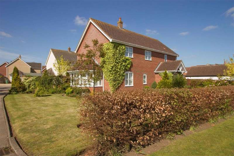 4 Bedrooms Detached House for sale in St Peters Close, Rockland St Peter, Norfolk