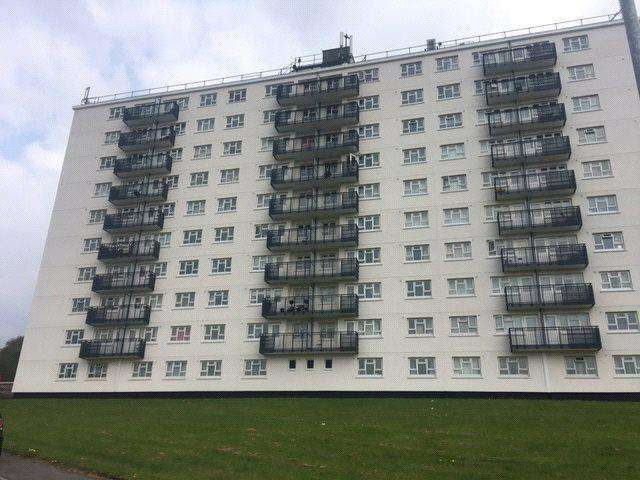 3 Bedrooms Apartment Flat for sale in Clayton Court, Leeds, West Yorkshire