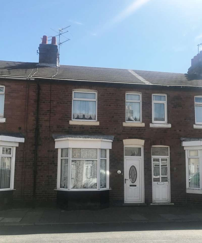3 Bedrooms Terraced House for sale in High Row, Loftus, Saltburn-by-the-Sea, Cleveland, TS13 4SA