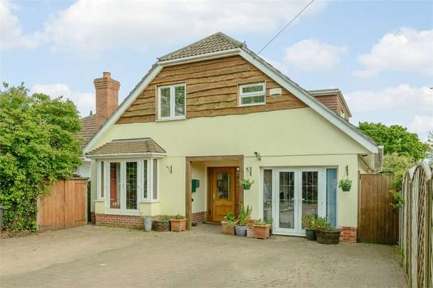 5 Bedrooms Detached House for sale in Wimborne Road West, Wimborne, Dorset