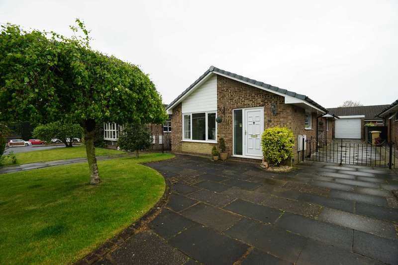 3 Bedrooms Detached Bungalow for sale in Cow Lees, Westhoughton