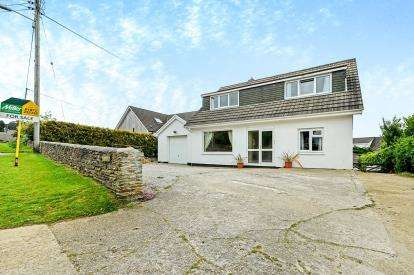 5 Bedrooms Detached House for sale in Carnon Downs, Truro, Cornwall