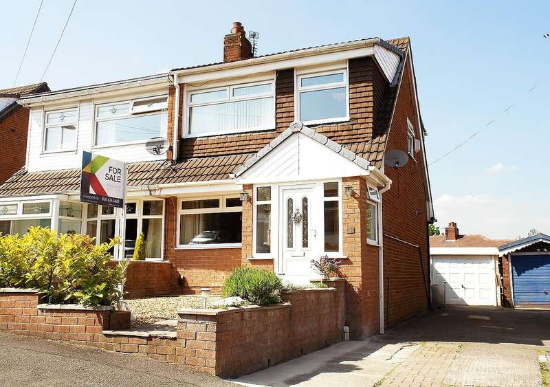 3 Bedrooms Semi Detached House for sale in 6 Lynmouth Close, Chadderton, Oldham