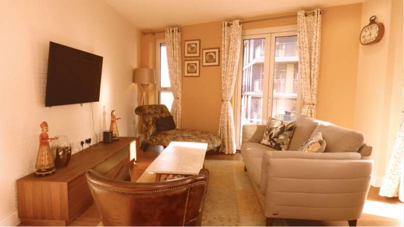 2 Bedrooms Apartment Flat for sale in Aylesbury House, Hatton Road