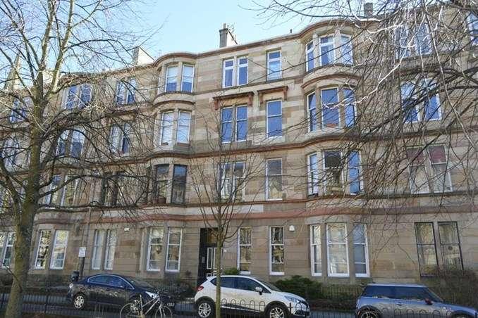 3 Bedrooms Flat for rent in Woodlands Road, Woodlands, Glasgow