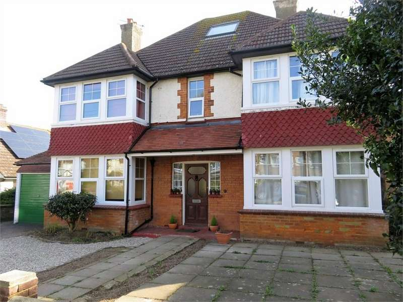 6 Bedrooms Detached House for sale in Sutherland Avenue, Bexhill-on-Sea, TN39