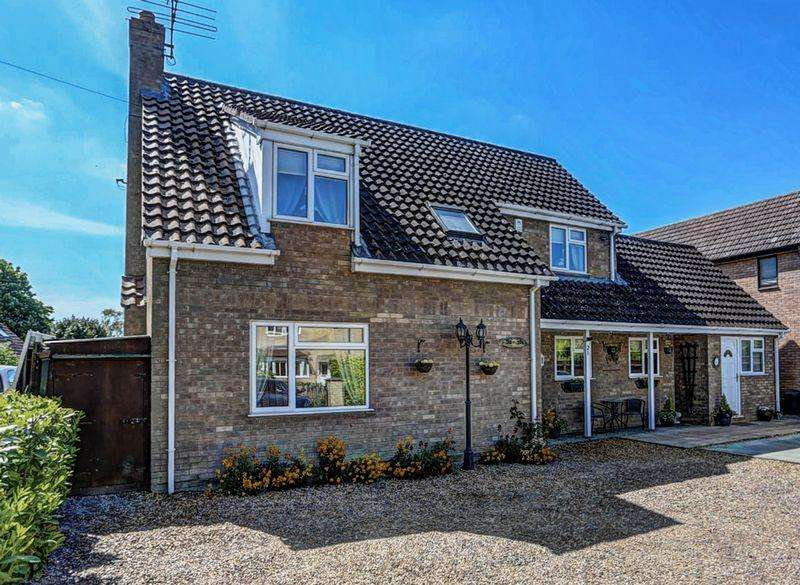 4 Bedrooms Detached House for sale in Church Lane, Isleham