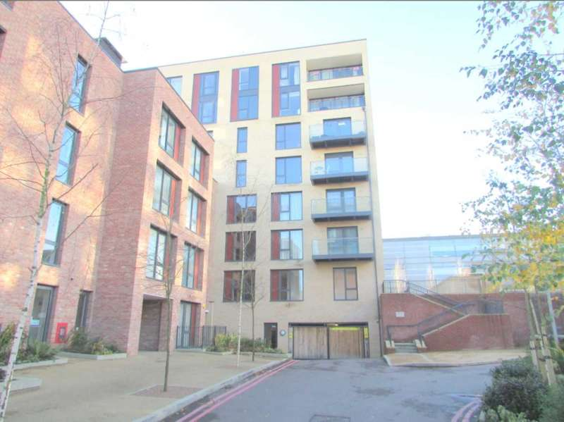 1 Bedroom Flat for sale in Hayling Way, Edgware