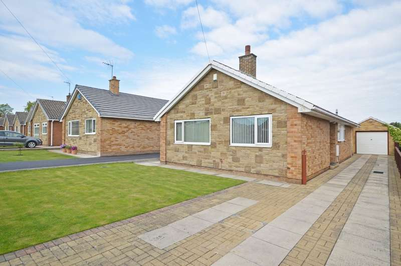 3 Bedrooms Detached Bungalow for sale in Cumbrian Way, Lupset Park, Wakefield