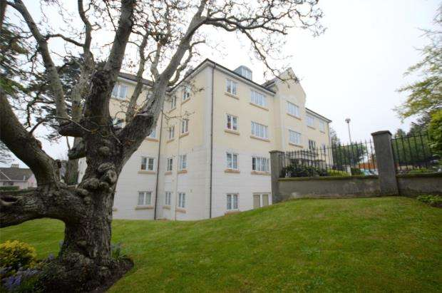 2 Bedrooms Flat for sale in Locksley Grange, 74 St Marychurch Road, Torquay, Devon