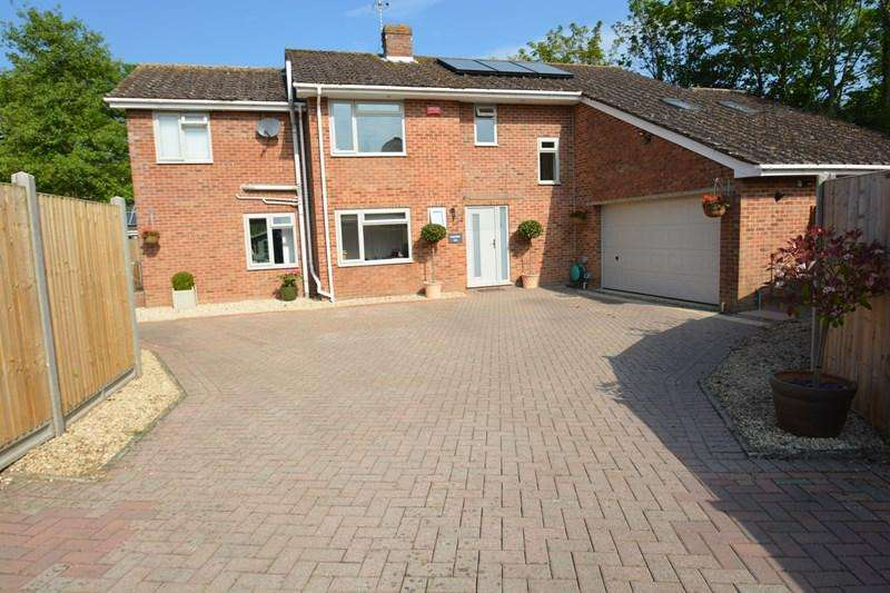 5 Bedrooms Detached House for sale in Warren Drive, Abbotts Ann, Andover