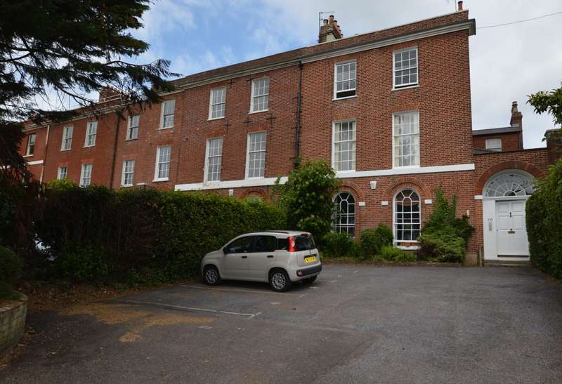 2 Bedrooms Flat for sale in St Leonards, Exeter