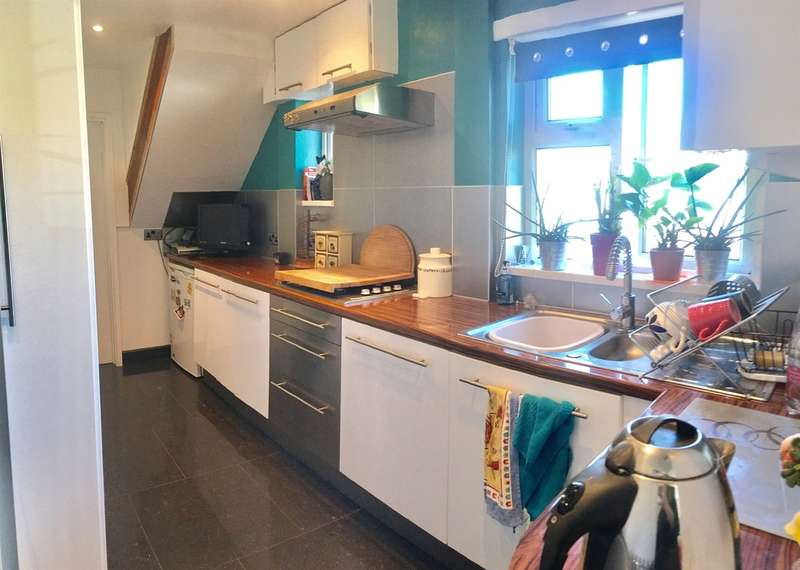 3 Bedrooms Semi Detached House for sale in Heol Horeb, Porth