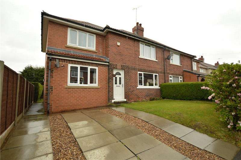 3 Bedrooms Semi Detached House for sale in Daffil Road, Churwell, Leeds