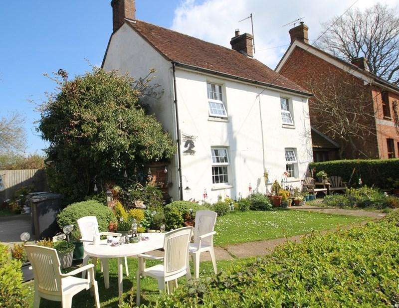 3 Bedrooms Cottage House for sale in Muddles Green, chiddingly, Lewes