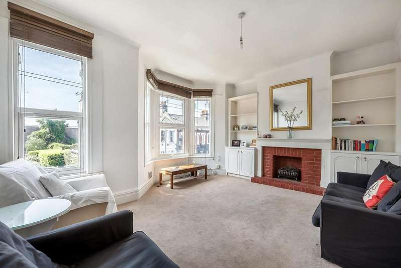 2 Bedrooms Flat for sale in DOROTHY ROAD, SW11