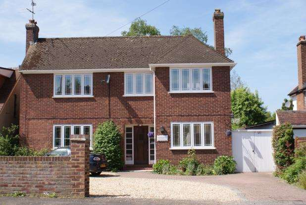 4 Bedrooms Detached House for sale in Westfield, Woking, Surrey