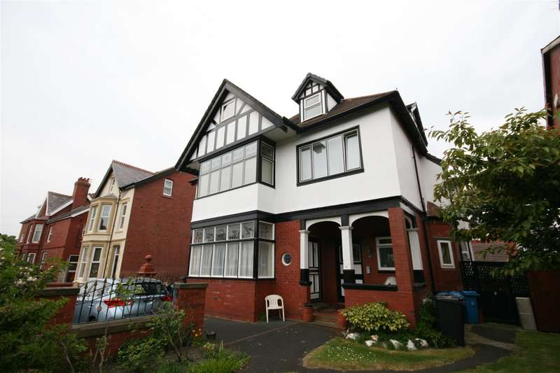 1 Bedroom Flat for sale in Flat 5, 30 Victoria Road, St. Annes