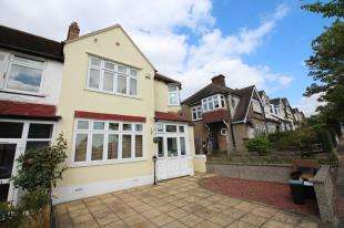 3 Bedrooms House for sale in Beck Way, Beckenham, Kent, Uk
