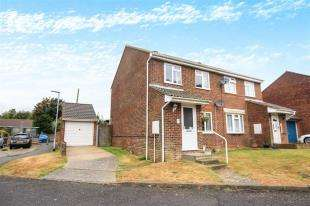 3 Bedrooms Semi Detached House for sale in Swannee Close, Peacehaven, East Sussex