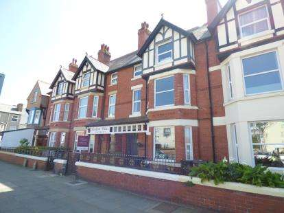 7 Bedrooms Terraced House for sale in Gloddaeth Street, Llandudno, Conwy, North Wales, LL30