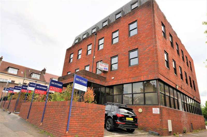 1 Bedroom Flat for sale in Cavendish Avenue , Harrow, Greater London, HA1 3RW