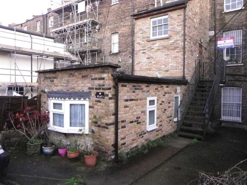 1 Bedroom Apartment Flat for sale in West Crescent, Gravesend