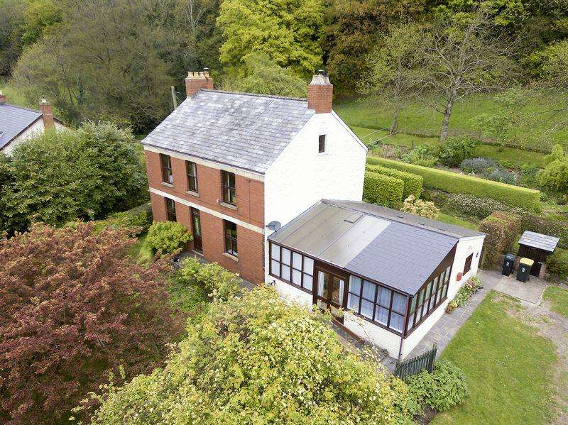4 Bedrooms Detached House for sale in Penhow