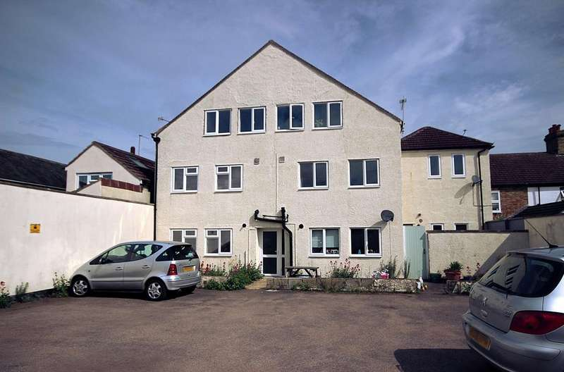 3 Bedrooms Apartment Flat for sale in Hospital Road, ARLESEY, SG15