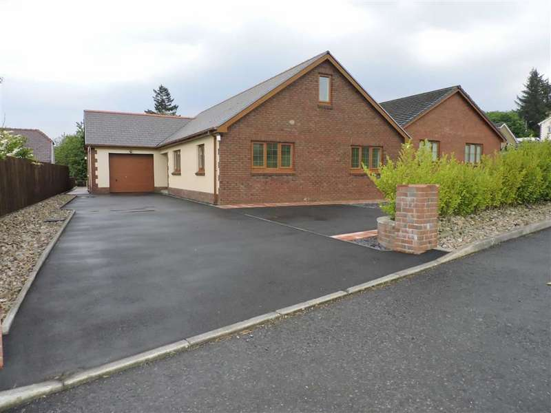 4 Bedrooms Property for sale in Parc Derwen, Garnswllt