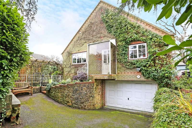 4 Bedrooms Detached House for sale in Grove Road, Hindhead, Surrey, GU26