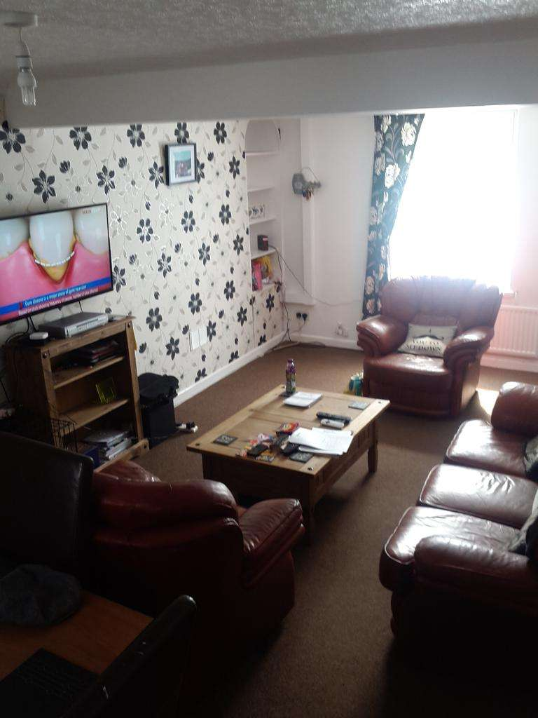 3 Bedrooms Terraced House for sale in Camarthen Road, Gendros, Swansea SA5