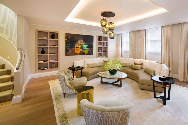 3 Bedrooms Apartment Flat for sale in Buckingham Gate, Located opposite Buckingham Palace, London
