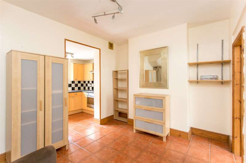 2 Bedrooms Terraced House for sale in Lansdowne Terrace, York, YO10