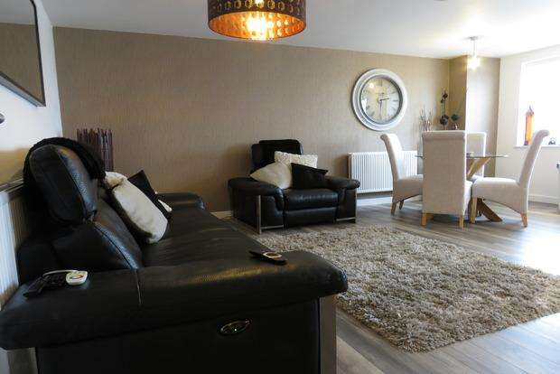 2 Bedrooms Apartment Flat for sale in Kingsley Park Terrace, Kingsley, Northampton, NN2