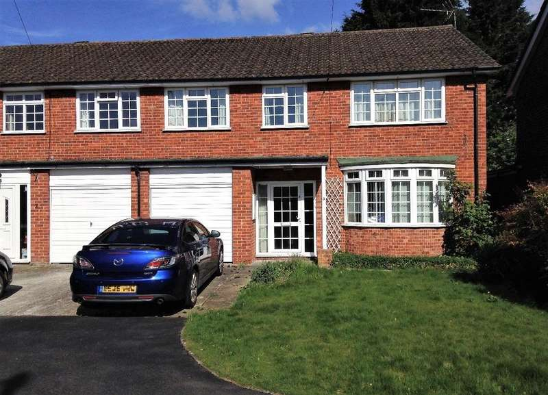 4 Bedrooms House for sale in The Courtyard, Theale, Reading, Berkshire, RG7
