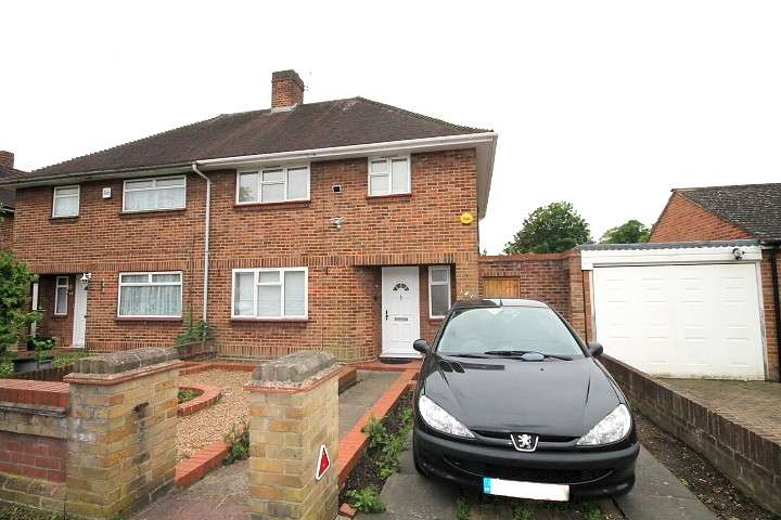 3 Bedrooms Semi Detached House for sale in Hamilton Road, Feltham, TW13