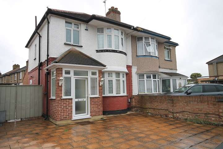 3 Bedrooms Semi Detached House for sale in Spring Road, Feltham, TW13