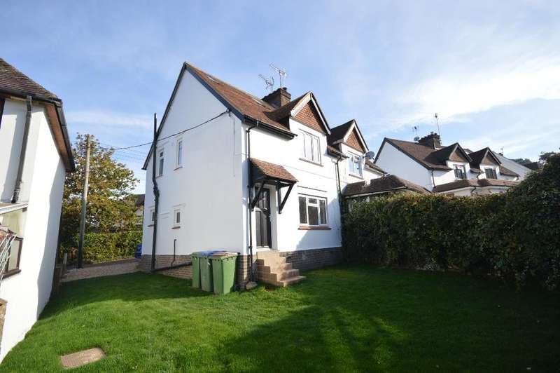 3 Bedrooms Semi Detached House for sale in Marley Way, Storrington, RH20