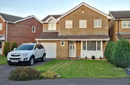 4 Bedrooms Detached House for sale in Campion Drive, Bradley Stoke, Bristol, Gloucestershire