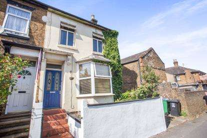 2 Bedrooms Semi Detached House for sale in St. Johns Road, Watford, Hertfordshire