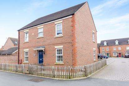 4 Bedrooms Detached House for sale in Lakenheath Kingsway, Quedgeley, Gloucester, Gloucestershire
