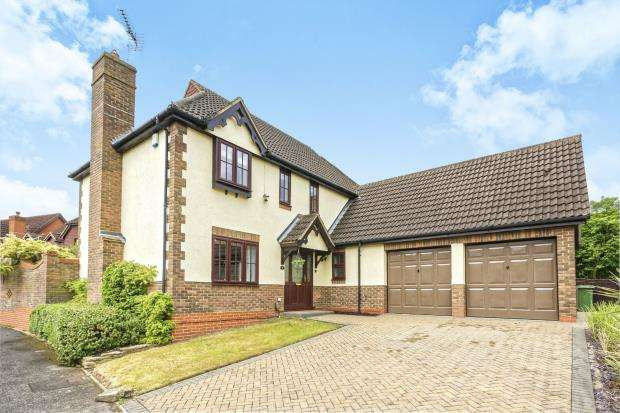 4 Bedrooms Detached House for sale in Warfield, Bracknell, Berkshire