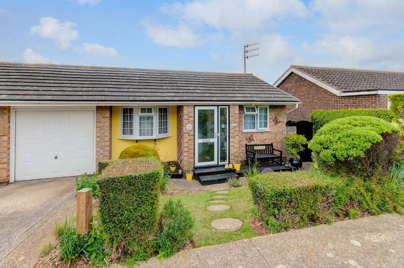 3 Bedrooms House for sale in Hawth Park Road, Seaford, BN25 2RQ