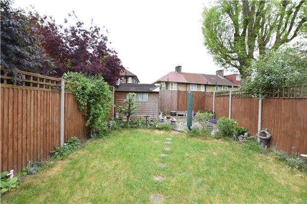 3 Bedrooms Terraced House for sale in Merevale Crescent, MORDEN, Surrey, SM4 6HL