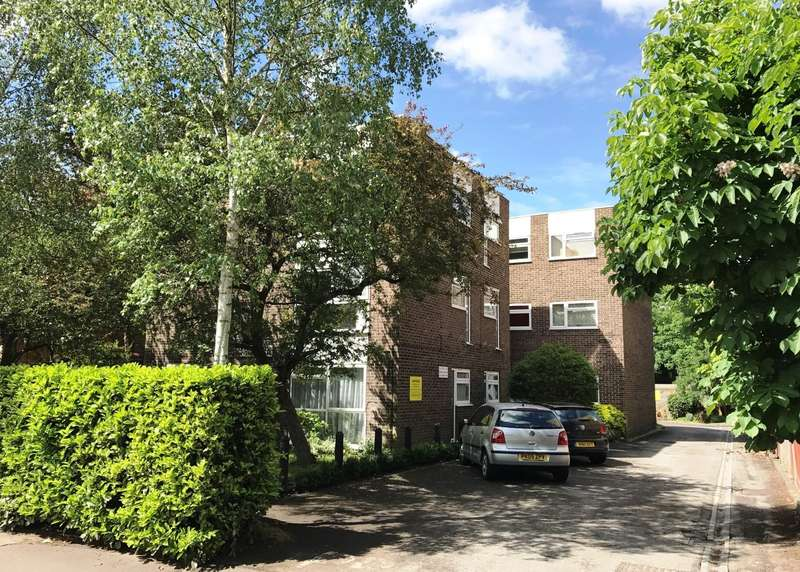 2 Bedrooms Flat for sale in Kingston Upon Thames